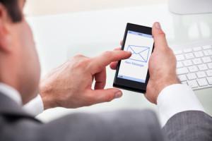 mobil optimierte E-Mail Mobile E-Mail Smartphone Tablet - © apops - Fotolia.com